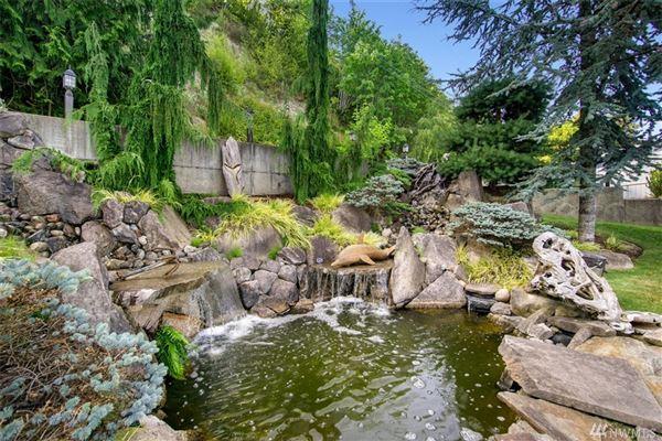 Luxury properties hidden gem on the shores of Prospect Point