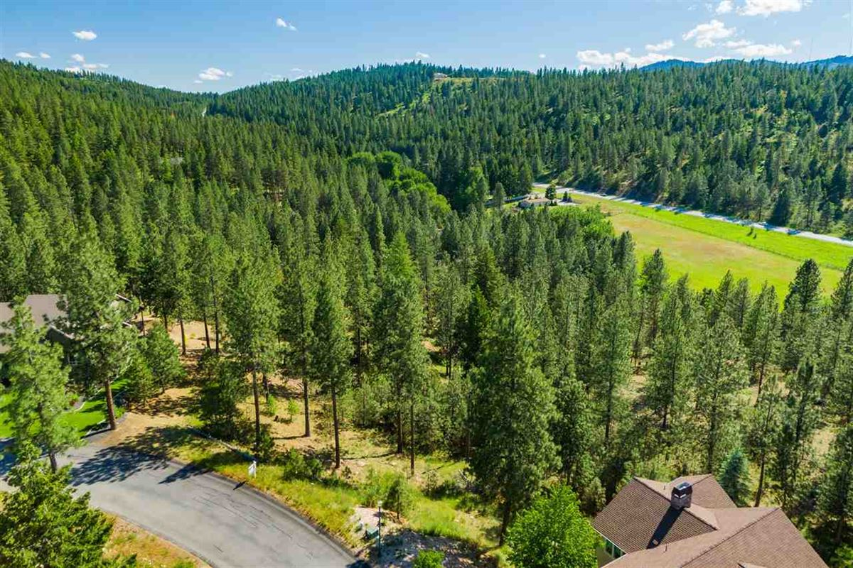 Luxury real estate picturesque lot ready to build a dream home