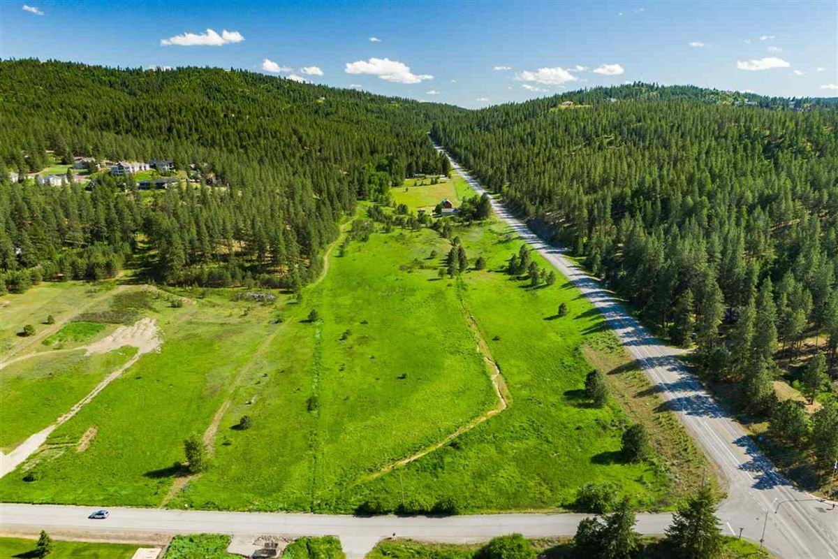 Luxury homes in picturesque lot ready to build a dream home