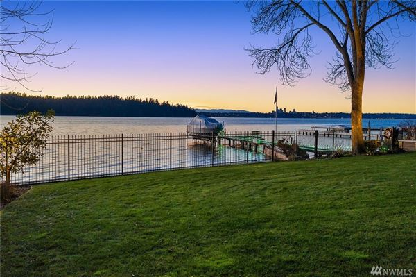 Mansions Gold Coast waterfront estate with four-plus acres of privacy