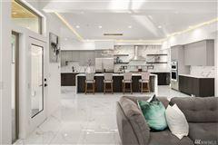 Luxury real estate custom luxury modern home on mercer island