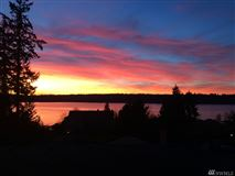 Luxury homes in spectacular lake sammamish view property