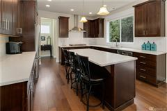 Luxury homes beautiful like-new craftsman