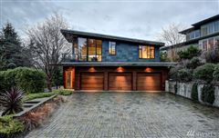 Mansions in premier lakefront living in washington