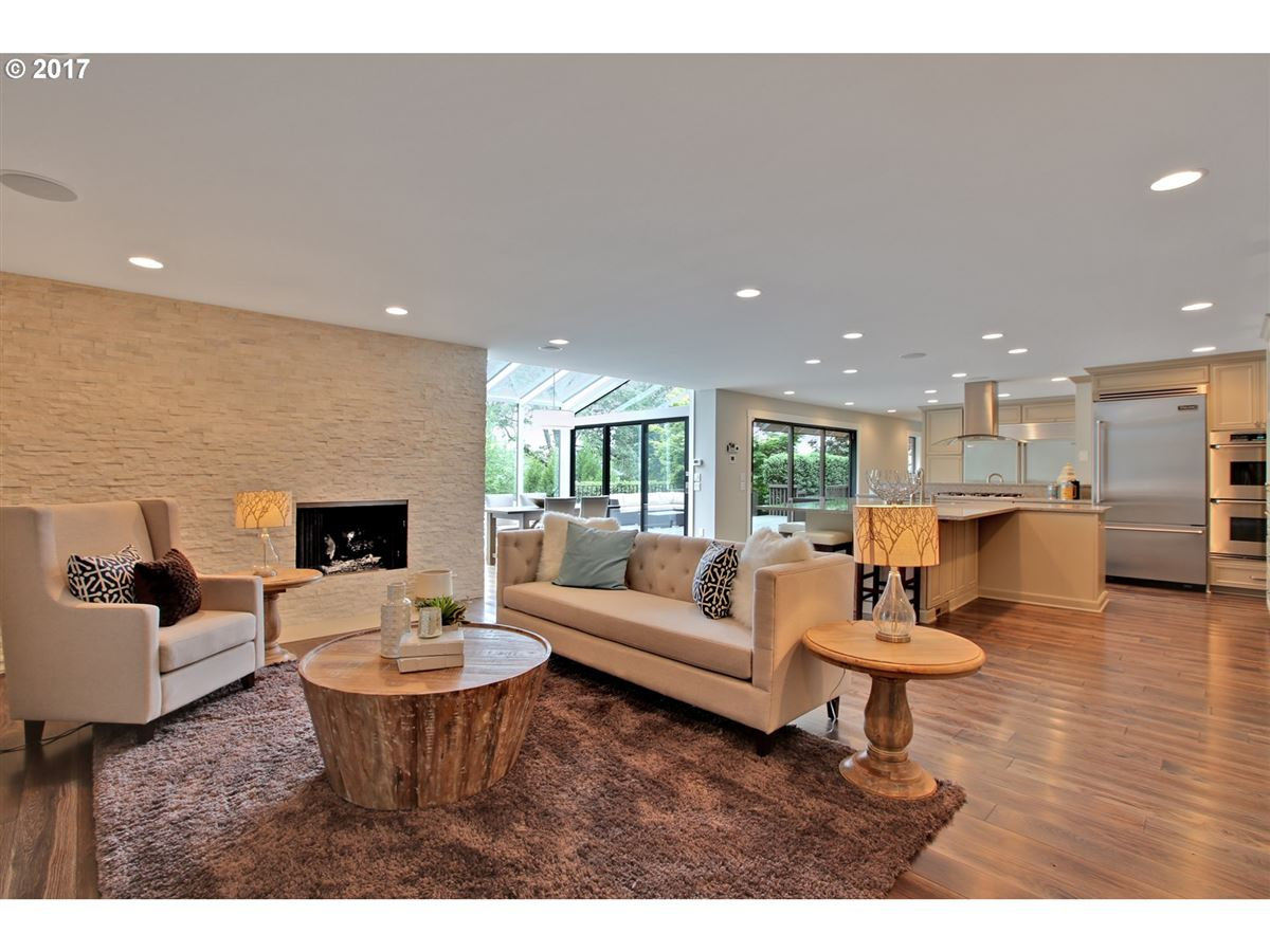 Luxury homes Thoroughly remodeled Hartung Farms contemporary