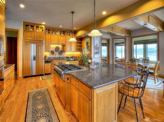 Luxury homes Custom Hood Canal Estate