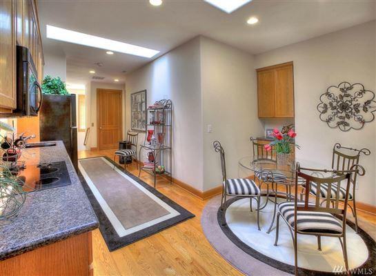 Luxury properties Custom Hood Canal Estate