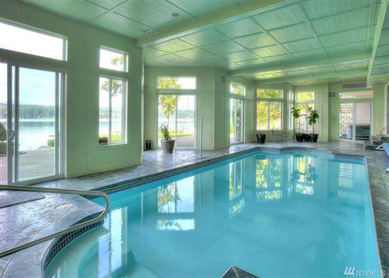 Custom Hood Canal Estate luxury homes