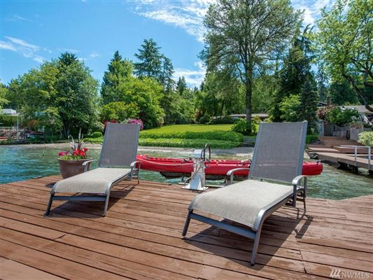 Luxury properties Bellevue legacy property on Lake Sammamish