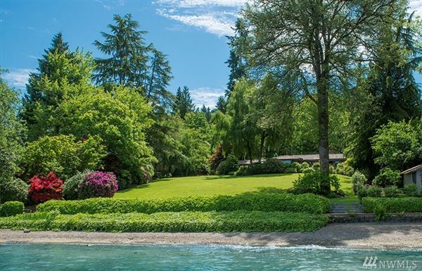 Luxury homes in Bellevue legacy property on Lake Sammamish