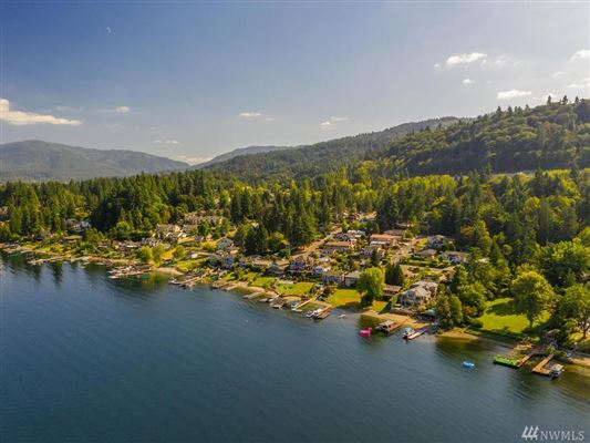 Bellevue legacy property on Lake Sammamish mansions