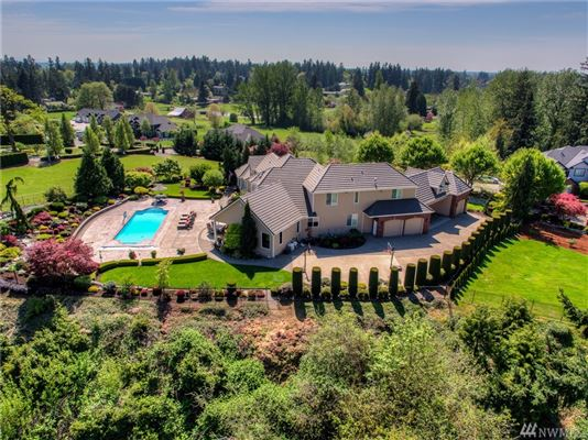 Mansions premier Edgewood estate in elevated position