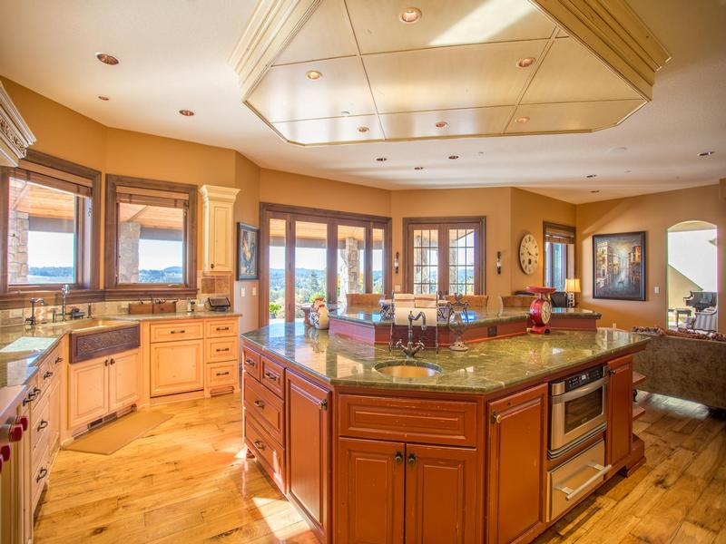 Luxury real estate executive chateau on over nine pristine acres