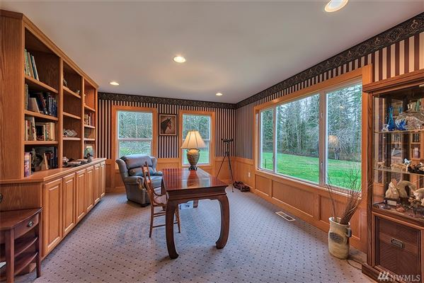 Ultimate living for both human and horse luxury real estate