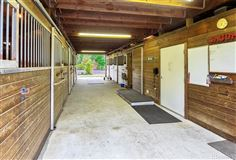 Luxury homes in Ultimate living for both human and horse