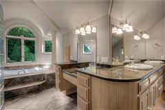 Luxury homes One of a Kind Pacific Northwest Estate
