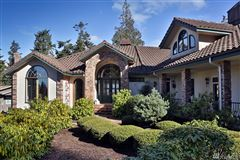 Stunningly Unique and Luxurious Langley Home luxury properties