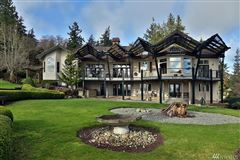 Mansions in Stunningly Unique and Luxurious Langley Home