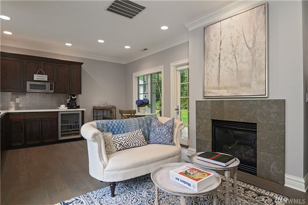 Luxury homes in on desirable Treemont Way