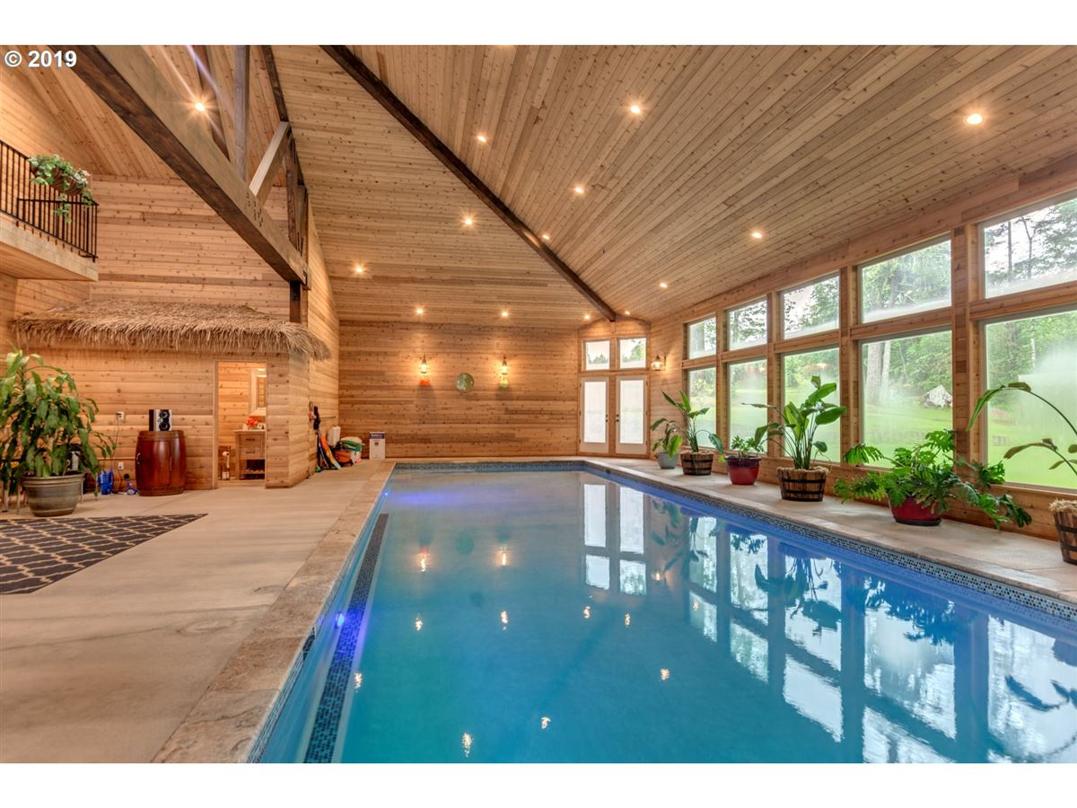 Gorgeous estate spanning over 10 private acres luxury real estate