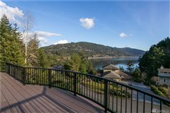 Mansions fully renovated custom home with breathtaking bay views