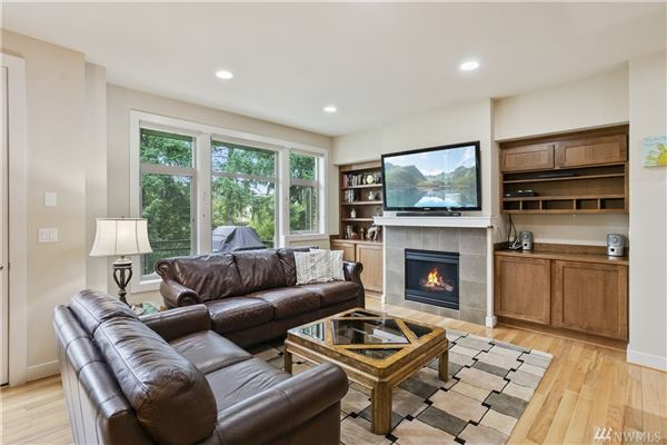 Luxury real estate Beautiful pristine Barbee Mill home