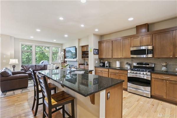 Beautiful pristine Barbee Mill home luxury properties