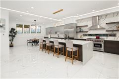 Mansions in custom modern design with unparalleled construction quality