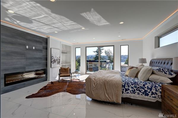 Luxury homes custom modern design with unparalleled construction quality