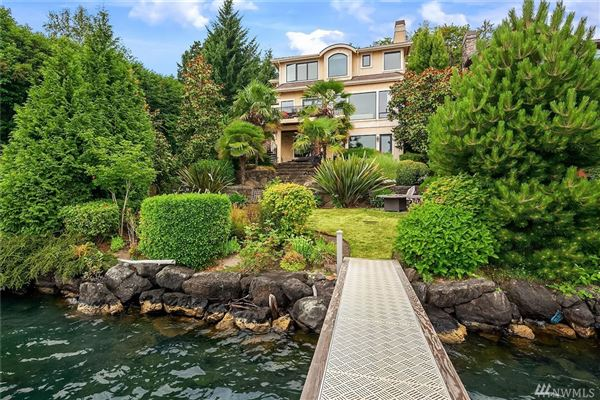 Mansions Waterfront Lifestyle with views