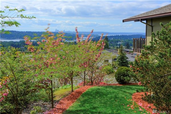 Amazing view home in Somerset luxury real estate