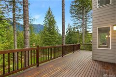 Mansions in The ultimate in Northwest living
