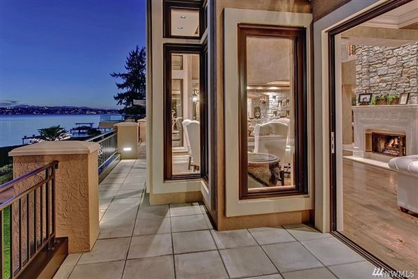 Waterfront Estate in Medina Washington luxury real estate