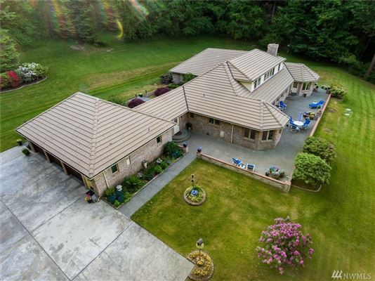 Luxury real estate Whidbey Island Estate Perfectly Sited on 11.4 acres
