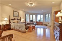 Mansions in Whidbey Island Estate Perfectly Sited on 11.4 acres