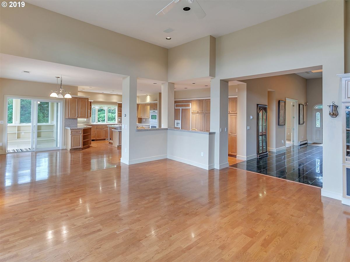 Mansions Gorgeous custom home on rare close-in acreage