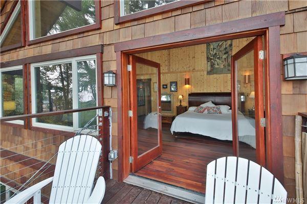 perfect island retreat mansions