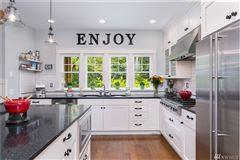 Luxury real estate Exceptional Northwest Craftsman home