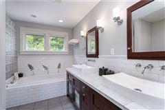 Exceptional Northwest Craftsman home luxury properties