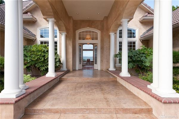 Luxury homes 165 ACRE RIVER VIEW ESTATE