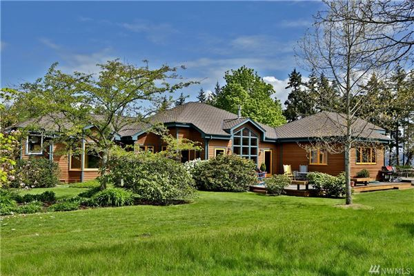 Willow Pond Waterfront LakeHouse luxury homes
