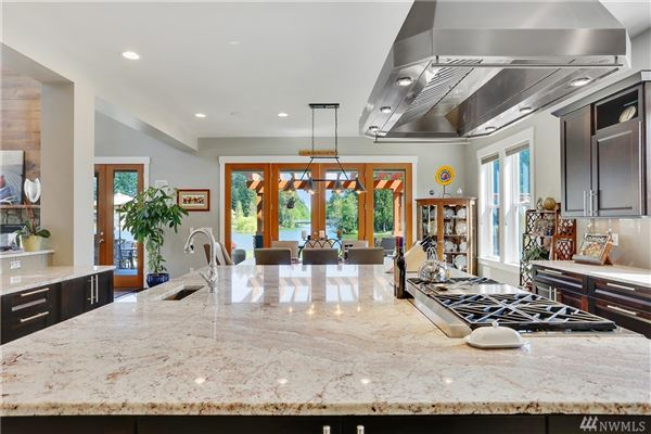 Mansions Breathtaking Lake Tapps Waterfront Home