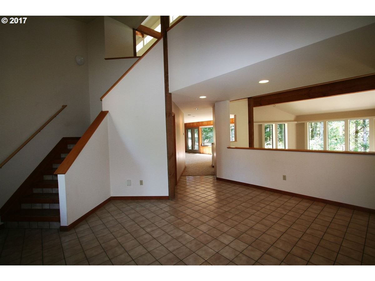 Luxury real estate Lovely home on a gorgeous five acres