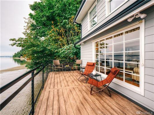 secluded beachfront retreat in Washington luxury properties