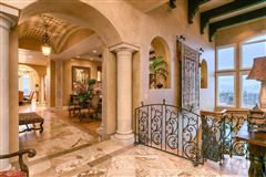 Luxury homes in masterpiece inside and out