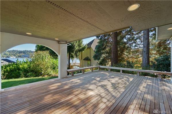 breathtaking views of lake washington luxury real estate