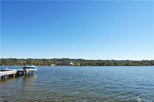 Mansions breathtaking views of lake washington