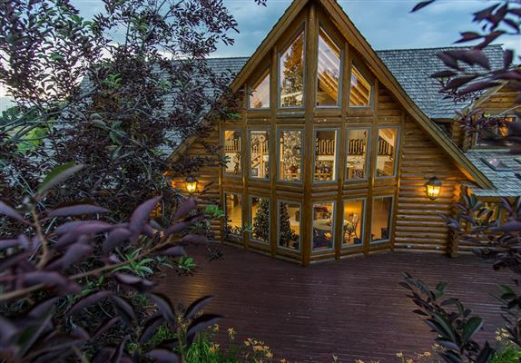 beautifully crafted exceptional log home luxury real estate