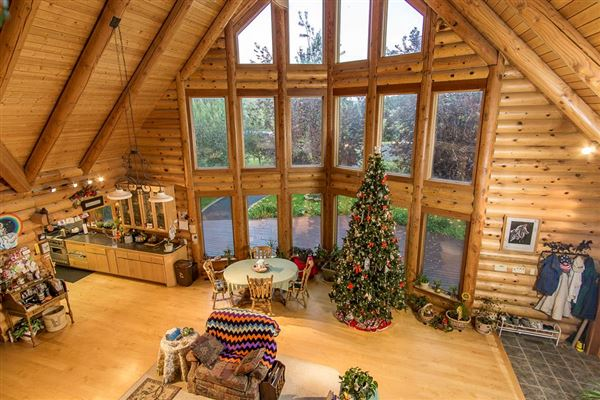 Luxury homes beautifully crafted exceptional log home