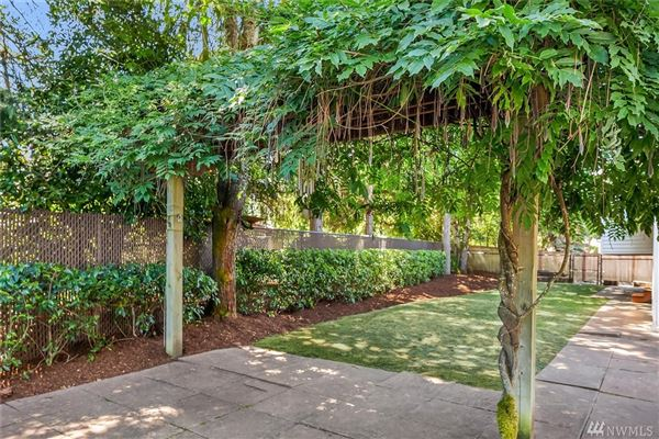 Mansions four bedroom home in mercer island